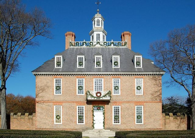 1280px-Colonial_Williamsburg_Governor's_Palace_Main_Building