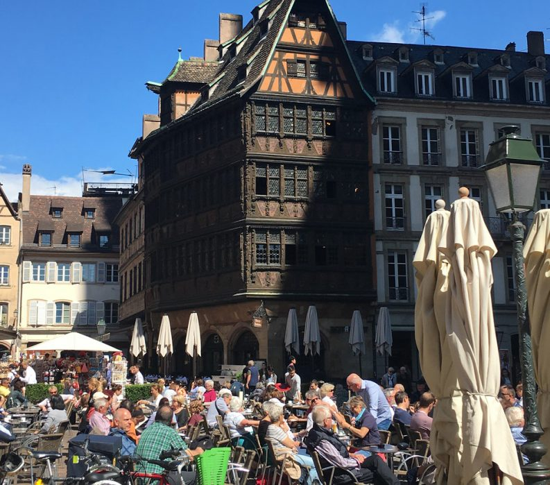 Alsace and the Black Forest: La Route des Vins - People enjoying cafe