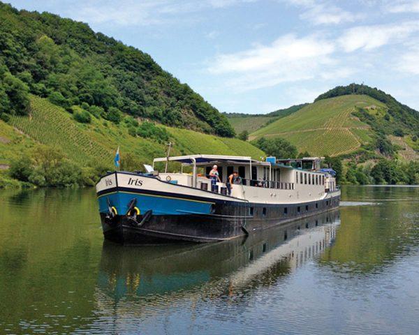 Barge Iris Exterior