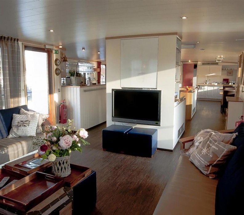 Low Cost Barge Tours In Holland And Belguim