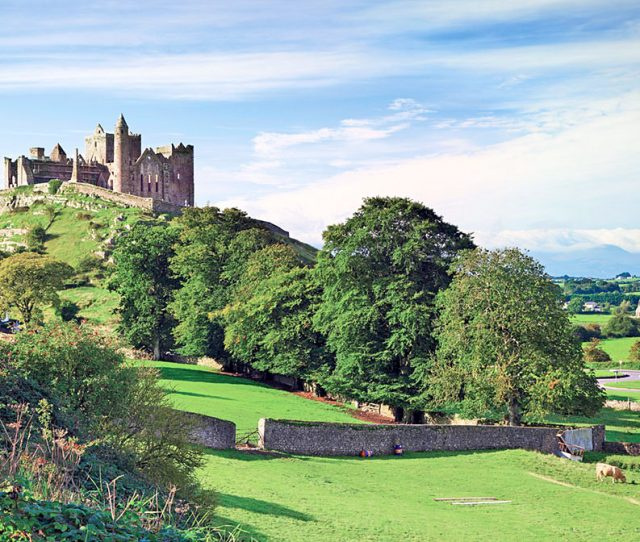 Pass by castles on your southern Ireland bike trip