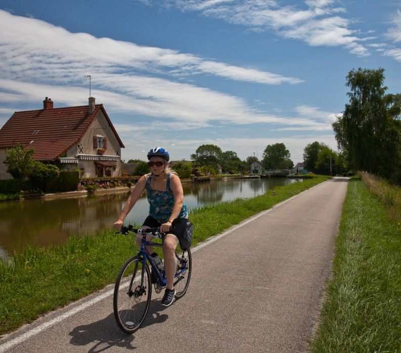 Burgundy canal path cycling; VBT