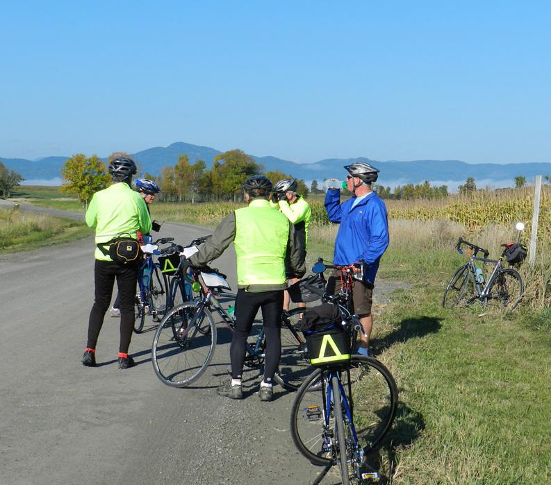 Classic Vermont Biking Tour, Bikers taking a break