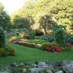 Classic Vermont Biking Tour, flowers and garden