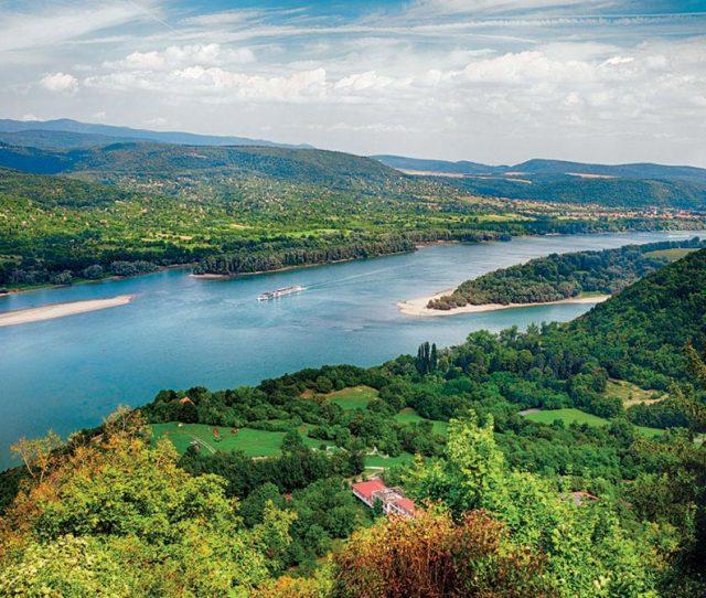 Gorgeous biking along the Danube