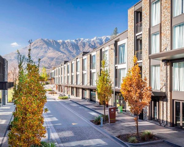 DoubleTree By Hilton Queenstown Exterior