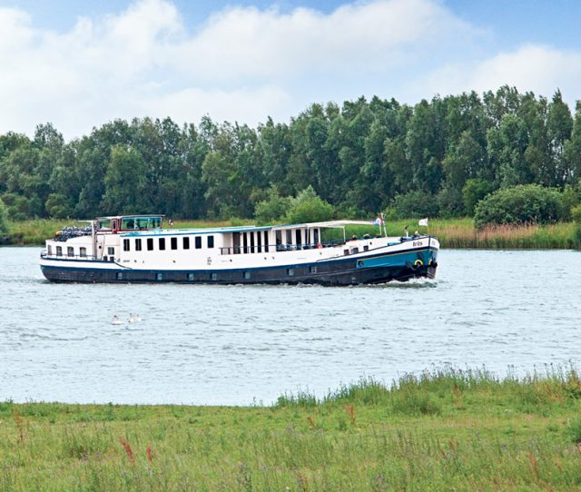 Private Barge on your Bike and Barge Vacation