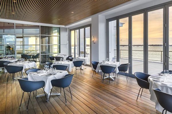 Hilton-Auckland---FISH-Restaurant-Terrace