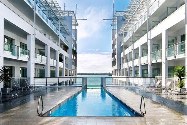 Hilton-Auckland---Pool