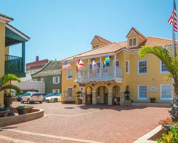 Hilton St. Augustine Historic Bayfront Entrance