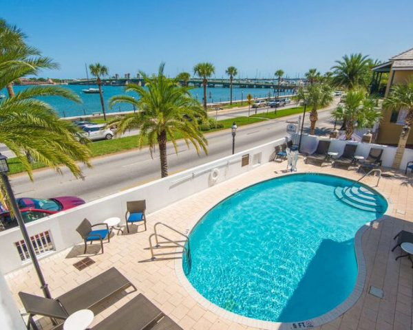 Hilton St. Augustine Historic Bayfront Pool