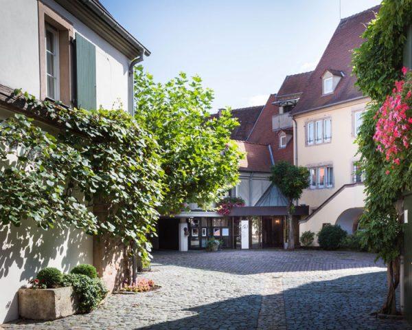 Hotel A La Cour d'Alsace Entrance