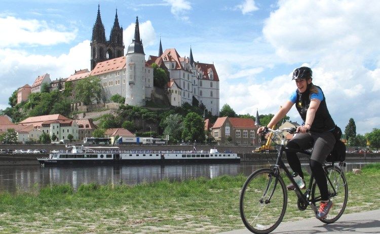 germany_castle_bike