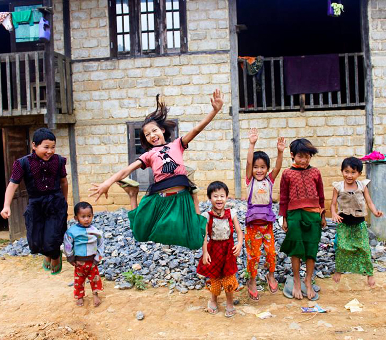 Myanmar Children Playing