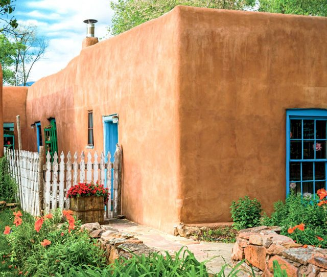 Visit New Mexico on a Walking Tour