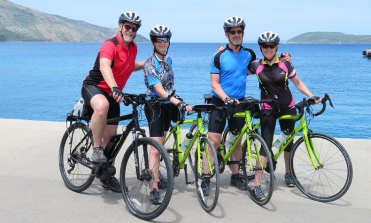 croatia couples biking