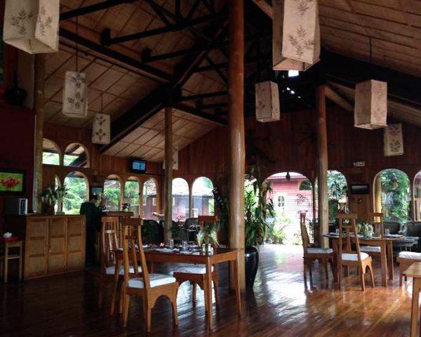 Pindaya Inle Inn Dining