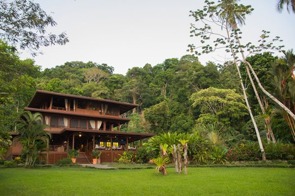 Playa Cativo Lodge Exterior