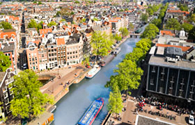 Pre and post hotel for holland in springtime