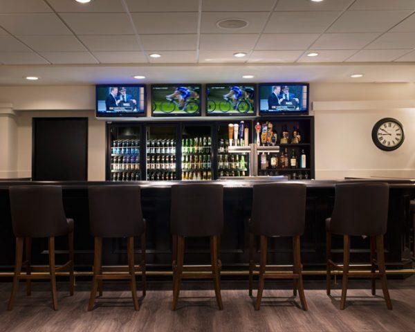 Ramada Calgary Downtown Pub