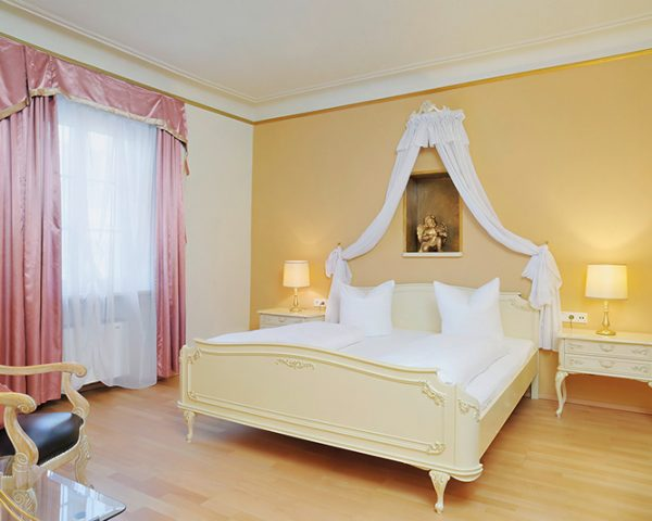 Hotel Schwarzer Adler Guest Room