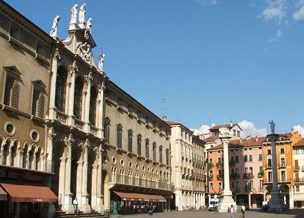 Vicenza la Piazza dei Signori