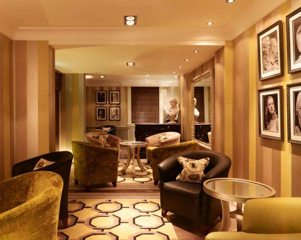 Arden Hotel Lounge