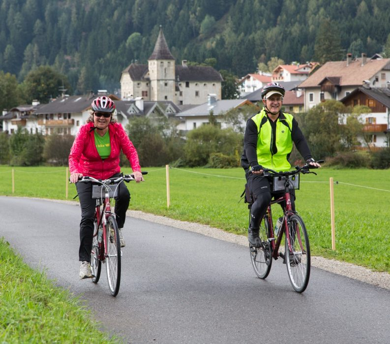 VBT Dolomites Biking Couple