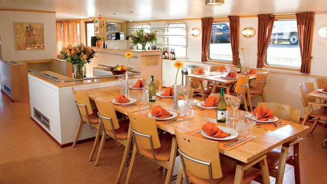 Dine Aboard the Boat
