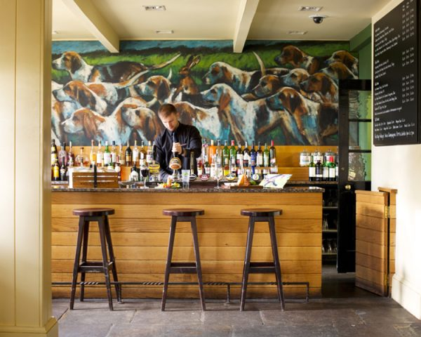 Hare and Hounds Hotel Bar