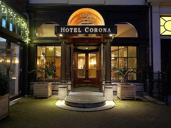 Hotel Corona Exterior