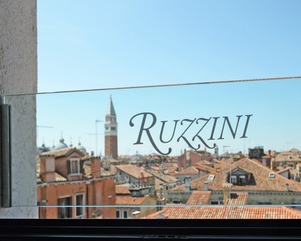 Hotel Ruzzini Palace Sign