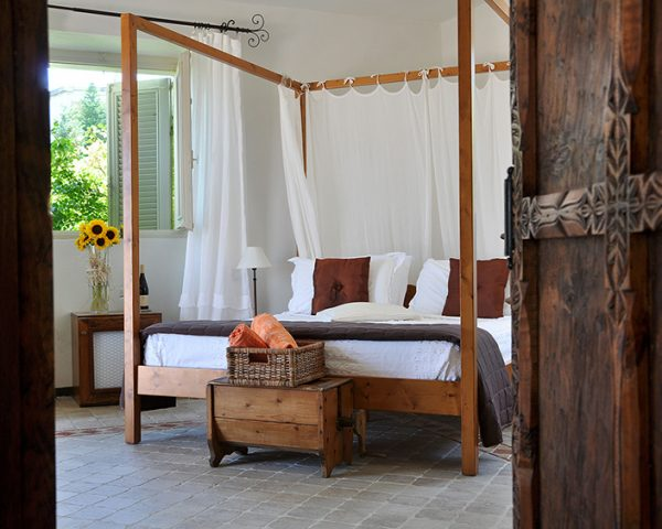 hotel lavilla guest room