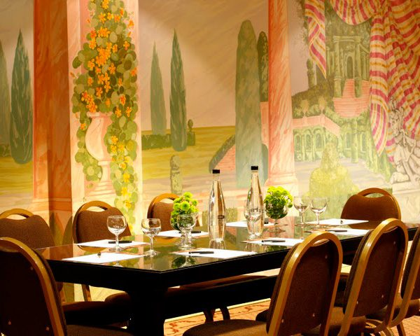 Lisboa Plaza Dining