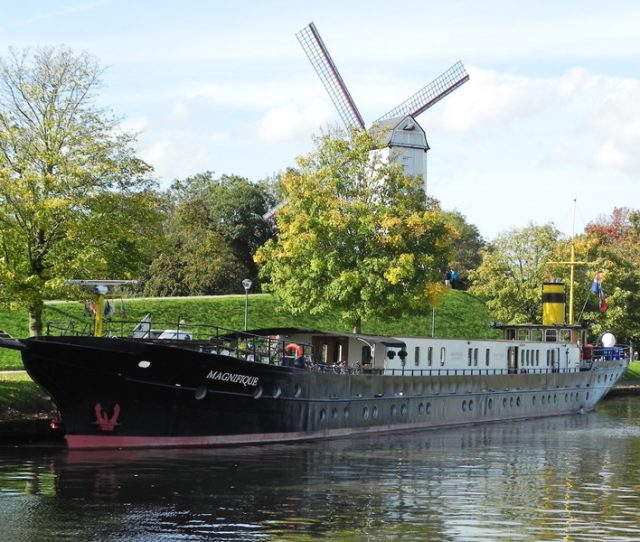 Boat, Magnifique I Exterior