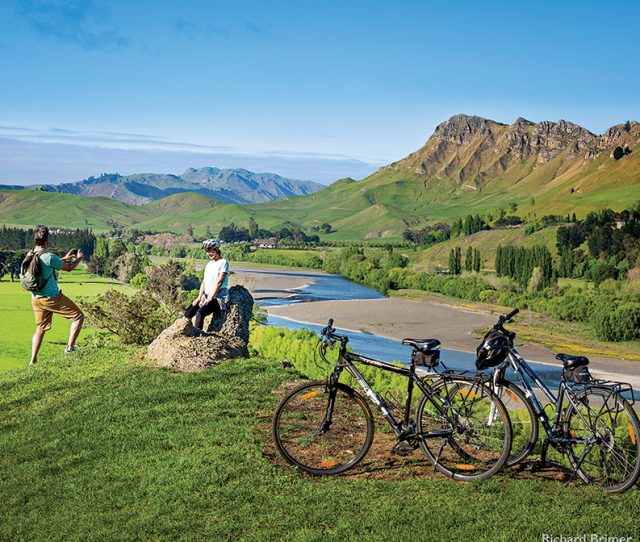 New Zealand: Bike & Walk The South Island