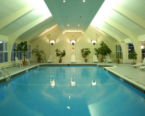 Newport Harbor Hotel Pool