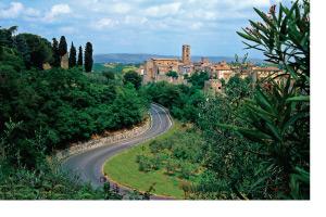 tuscan-hilltowns-windstar